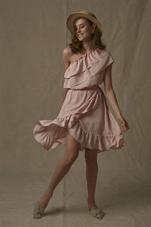 Ollie Dress in Nude Pink
